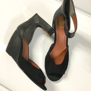 BC suede/leather black wedges size 10